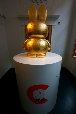 A golden statue of Miffy the bunny
