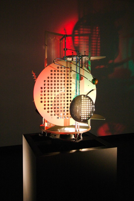 3D kinetic composition by Lissitzky